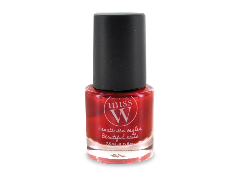 Vernis naturel rouge lacity de Miss W